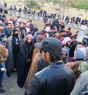 شباب معان يواصلون اعتصامهم للأسبوع الثاني على التوالي