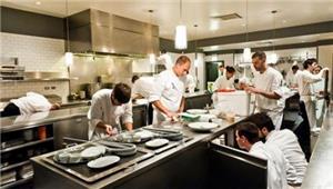 عمّال المطاعم: كورونا يصادر الطعام من صنّاعه