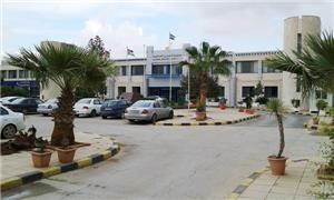 مصنع في مدينة الحسن يهدّد العاملين بطردهم من السكن