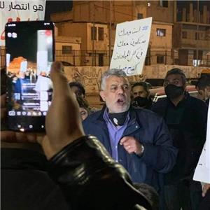 مسيرة ليلية لمعلمين في البقعة تضامناً مع نقابتهم