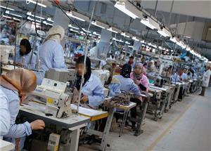 18 ألف عامل في قطاع الغزل والنسيج مهددين بالتسريح