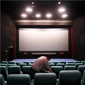 بعد اكثر من عام على الإغلاق.. تعمّق معاناة العاملين في دور السينما