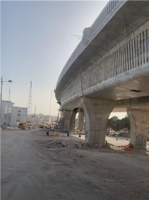 لعدم توفر وسائل حمائية.. وفاة عامل سقط من جسر إنشائي في المقابلين