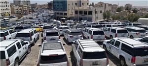 مئات مركبات السفريات توقف اعتصامها بعد اتفاق فتح حدود جابر