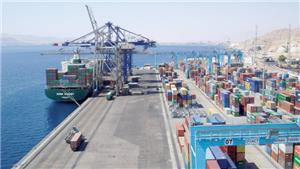 وفاة عامل بميناء العقبة والعاملون يحتجون لعدم توفر وسائل حماية